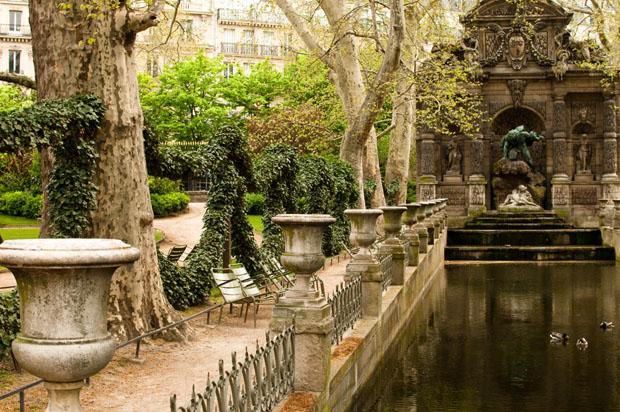 Luxemberg Park in Paris